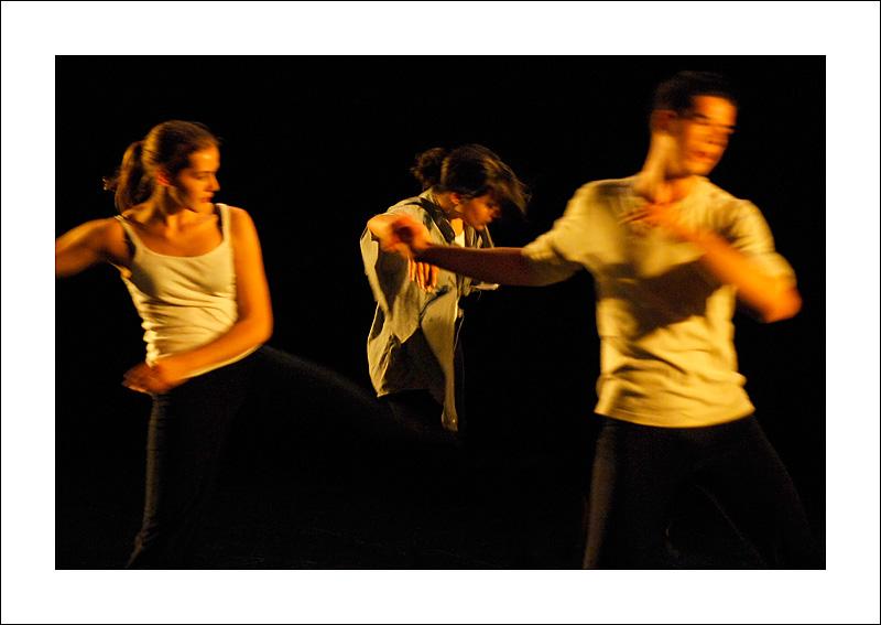 http://rodadur.free.fr/ToPhos/galleries/Danse/0706_Hexagone_Meylan/0706_Hexagone_Meylan_09.JPG
