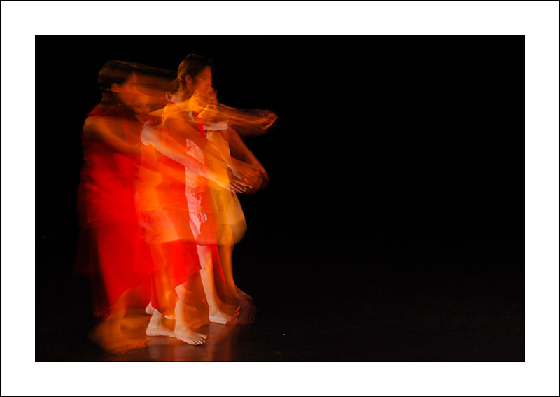 http://rodadur.free.fr/ToPhos/galleries/Danse/0706_Hexagone_Meylan/0706_Hexagone_Meylan_14.JPG