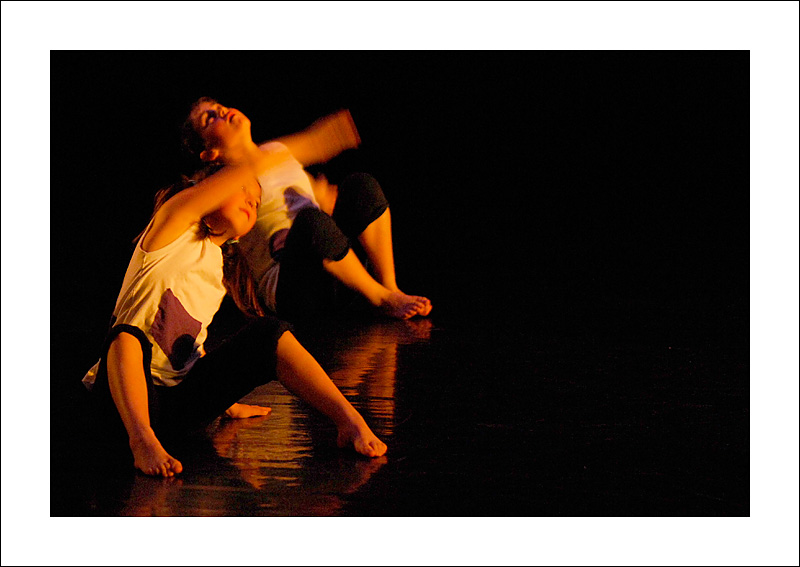 http://rodadur.free.fr/ToPhos/galleries/Danse/0706_Hexagone_Meylan/0706_Hexagone_Meylan_33.JPG