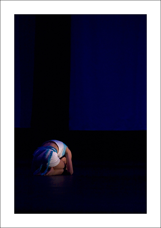 http://rodadur.free.fr/ToPhos/galleries/Danse/071113_Premiere_Vagualonde_Voiron/071113_Vagualonde_a_Voiron_01.jpg
