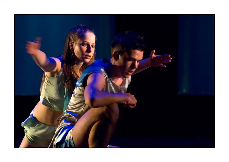 http://rodadur.free.fr/ToPhos/galleries/Danse/071113_Premiere_Vagualonde_Voiron/071113_Vagualonde_a_Voiron_21.jpg