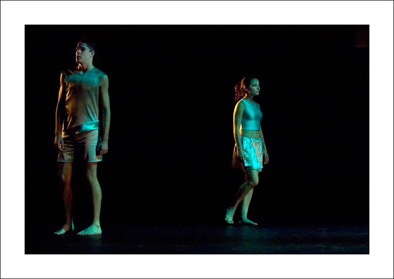 http://rodadur.free.fr/ToPhos/galleries/Danse/071113_Premiere_Vagualonde_Voiron/071113_Vagualonde_a_Voiron_33.jpg